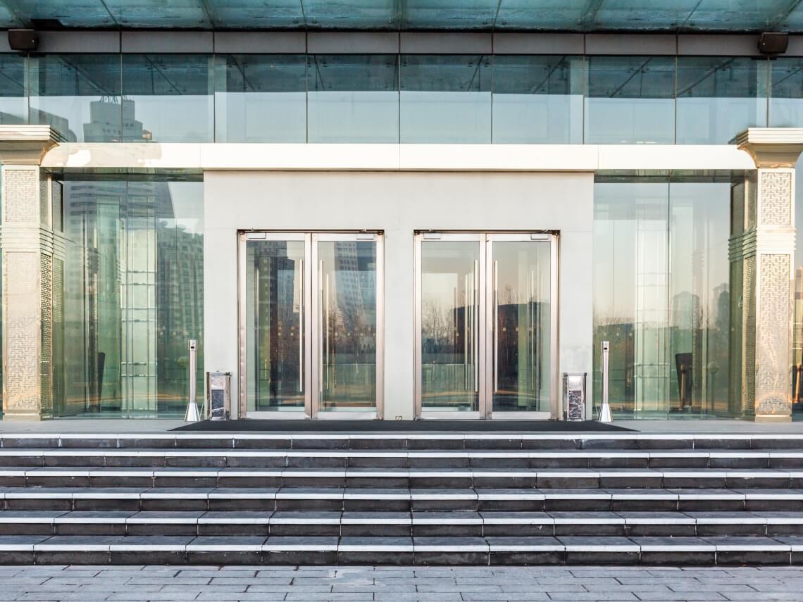 puertas batientes automaticas madrid
