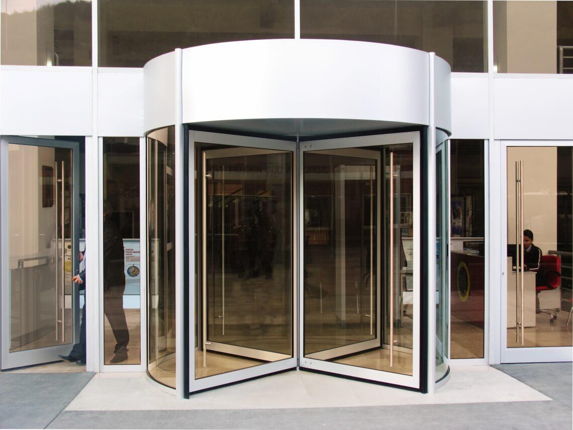 instalacion puertas giratorias automaticas madrid