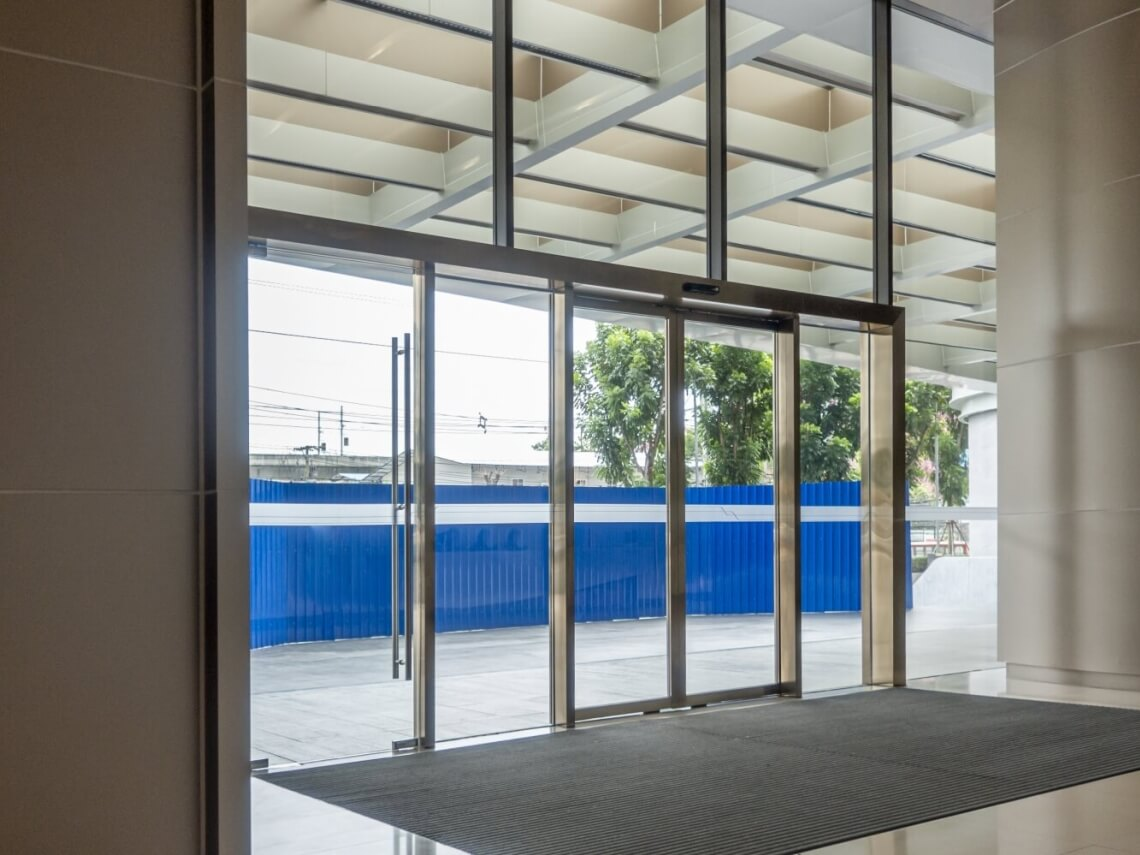 puertas para oficinas exteriores