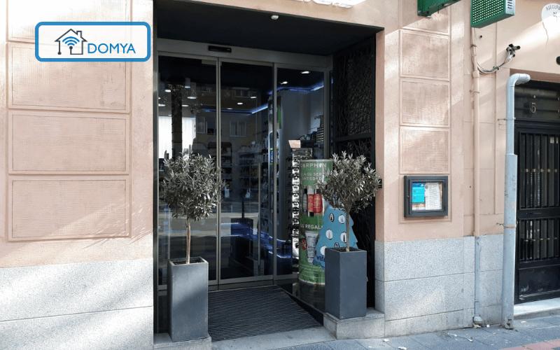 Puerta automatica farmacia